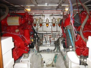 Seahorse_Engine_Room_Yachtworld
