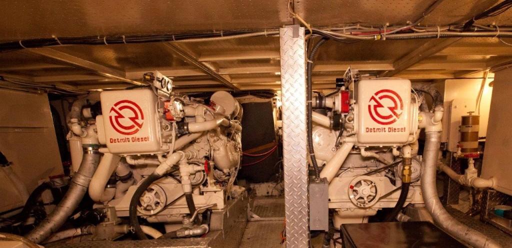 De Anza III Engines Detroit 6V-92s